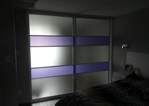 portes coulissantes mauve effet nuit